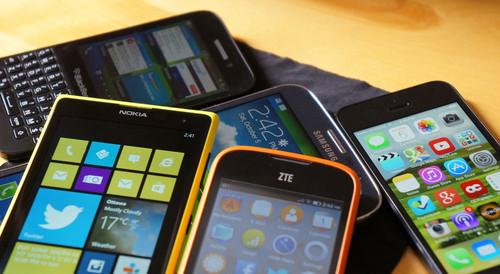 Del plástico al metal II. La evolución del diseño en los principales fabricantes de smartphones.
