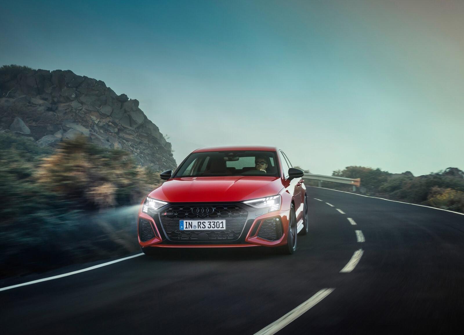 Foto de Audi RS 3 2022 (66/99)