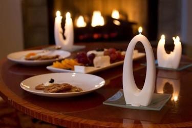 Alusi quiere revolucionar con sus diseños el mercado de las velas tradicionales