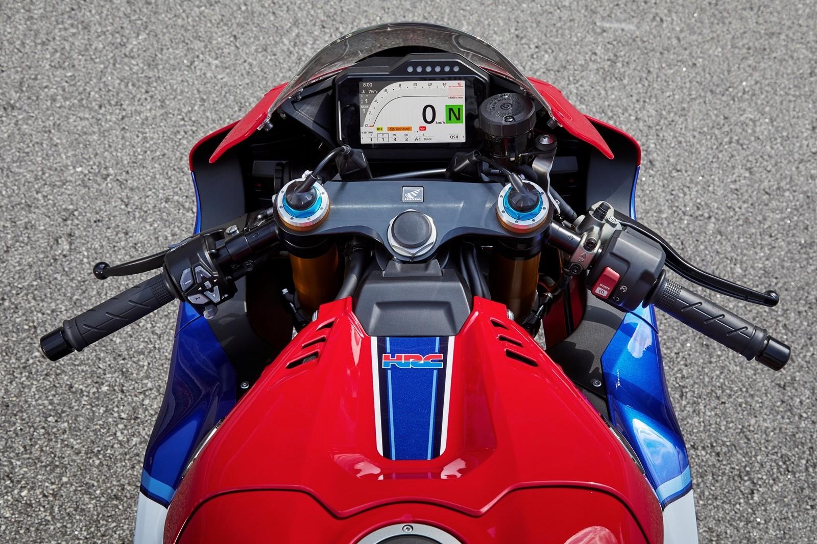 Foto de Honda CBR1000RR-R SP Fireblade 2020 (10/35)
