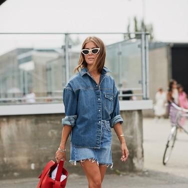 La camisa tejana (de firmas como Levi's y Lee) es la prenda básica que el street style adora y que todas deberíamos tener en nuestro armario