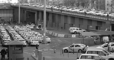 La imparable privatización de los servicios públicos impropios: el caso del taxi