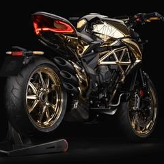 Foto 3 de 14 de la galería mv-agusta-dragster-rc-shining-gold-2019 en Motorpasion Moto