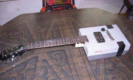 Guitarra hecha con una NES