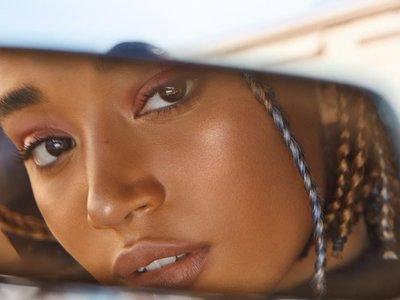 Amandla Stenberg se convierte en el fichaje estrella y exclusivo de Fenty Beauty