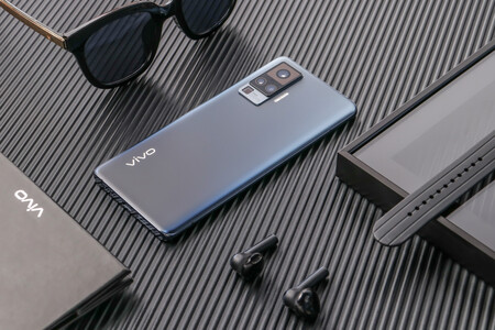 Vivo X51 5G: así es el smartphone con gimbal integrado con el que Vivo llega oficialmente a España