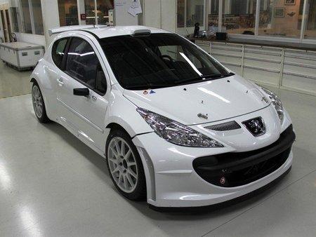 Peugeot presenta la nueva evolución del 207 S2000