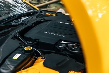 Jaguar F-Type R motor