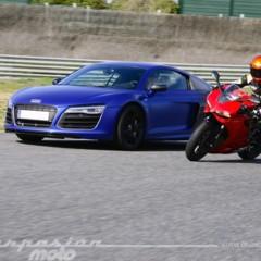 Foto 22 de 24 de la galería ducati-899-panigale-vs-audi-r8-v10-plus en Motorpasion Moto