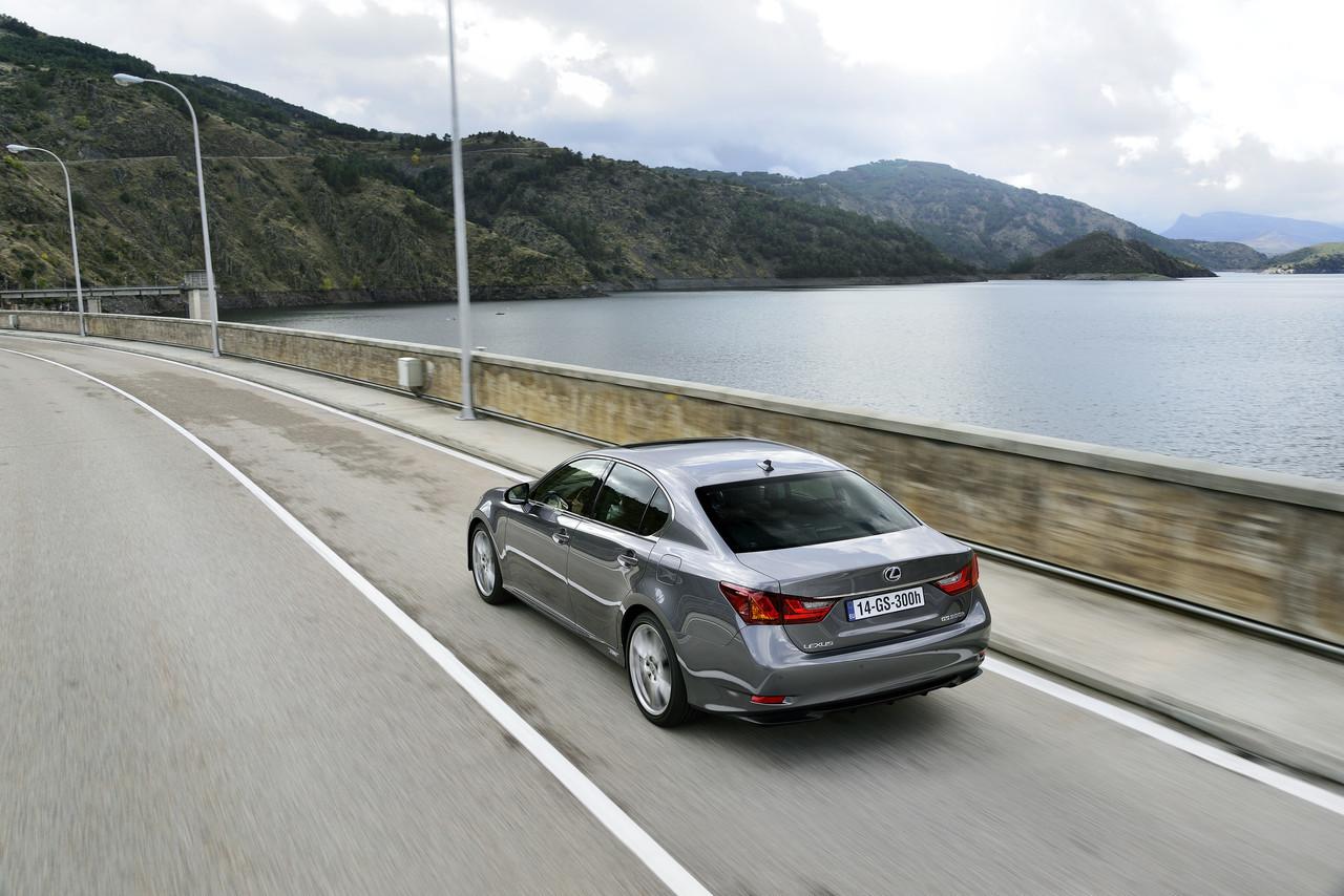 Foto de Lexus GS 300h (12/153)