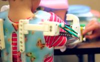 WREX, un exoesqueleto fabricado con una impresora 3D que ayuda a niños con discapacidad