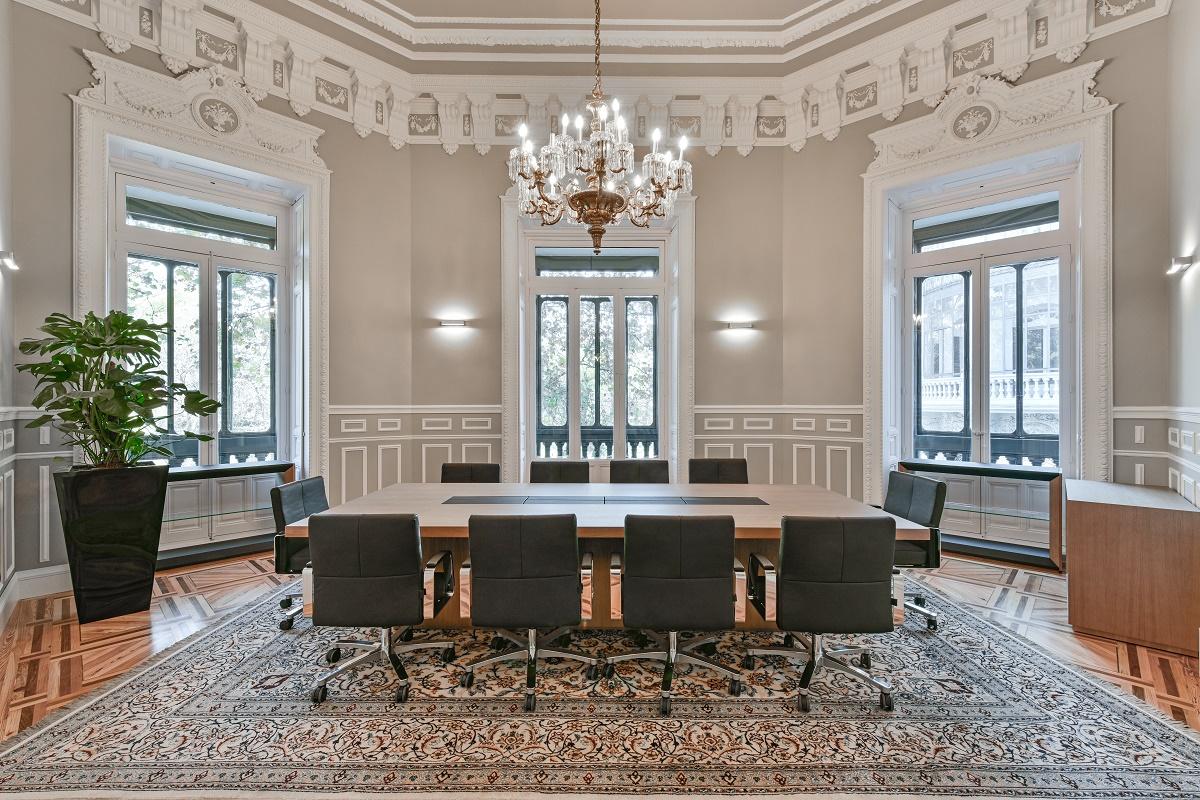 espacios para trabajar gestamp una oficina luminosa y funcional junto al retiro