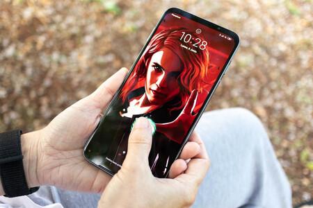 Móvil grande, mano pequeña: qué hacer si tu móvil Android no tiene modo de una mano