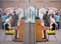50 pianos por las calles de París