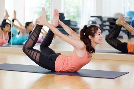 postura-arco-yoga
