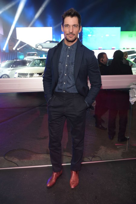 David Gandy Falla Al Intentar Hacer Cool El Denim En La Presentacion Del Range Rover Evoque 03