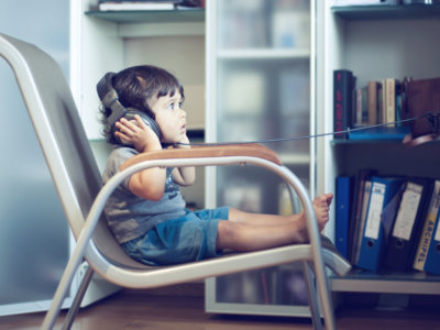 ¿Sospechas que tu hijo tiene algún problema de audición? No lo dejes pasar