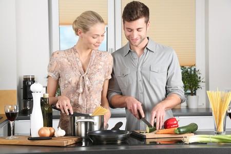 5 malos hábitos en la cocina que debes evitar