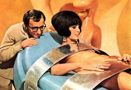Woody Allen y Daliah Lavi en Casino Royale