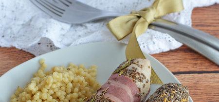 Rollos de pechuga de pollo con chía y tocino. Receta