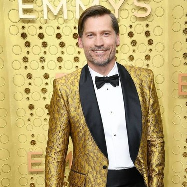 Nikolaj Coster-Waldau deslumbra con su look en la red carpet de los EMMY Awards