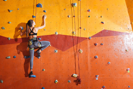 Escalada de muro Sports World