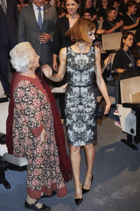 Dona Letizia Y Su Vestido Repe
