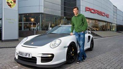 Mark Webber se divierte al volante de su Porsche 911 GT2 RS