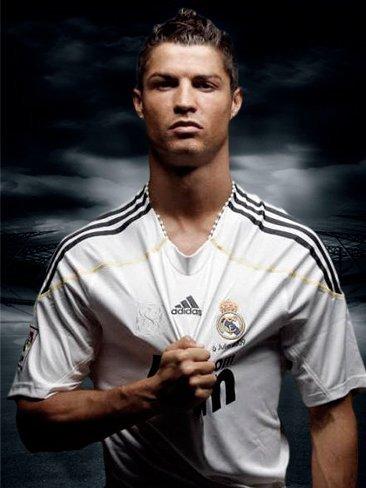 Y sigue y sigue el drama de la madre del hijo de Cristiano Ronaldo, qué cansino