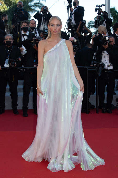 Leonie Hanne Cannes 04