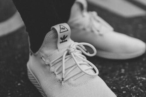 Nike, Adidas o Skechers... cinco zapatillas blancas para pisar el gimnasio con estilo