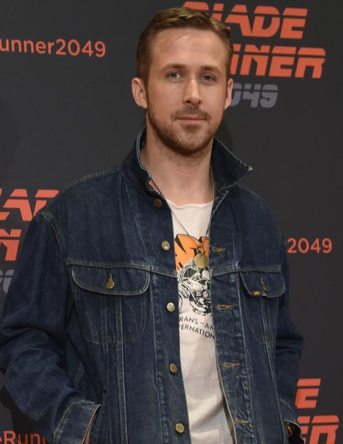 Ryan Gosling se apunta a la moda de las camisetas con dibujos