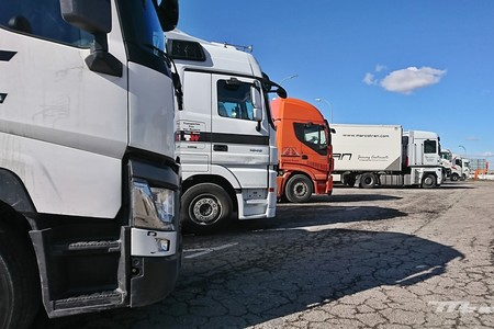 Guía para los transportistas: qué gasolineras, restaurantes y talleres funcionan durante el estado de alarma