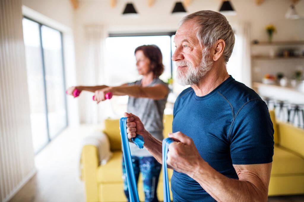 El ejercicio físico semanal podría ayudar a que el deterioro cognitivo leve no degenere en demencia o Alzheimer