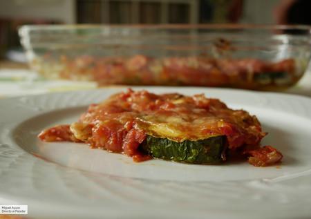 Calabacines a la milanesa: receta suculenta de verdura y queso al horno