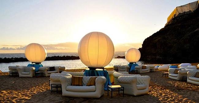 Muebles hinchables, iluminación sin cables y carpas de diseño, propuestas de ...