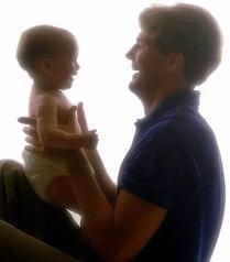 Posible ampliación del permiso de paternidad a dos semanas