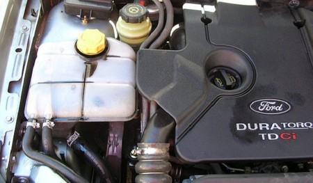 La DGT estudia poder multar a los coches que no hayan pasado la ITV ¡aunque no circulen!