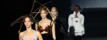 Del color de Marcos Luengo al flamenco de Pertegaz, el look espacial de Dominnico o la Katherine Hepburn de Angel Schlesser: así es el segundo día de MBFWM