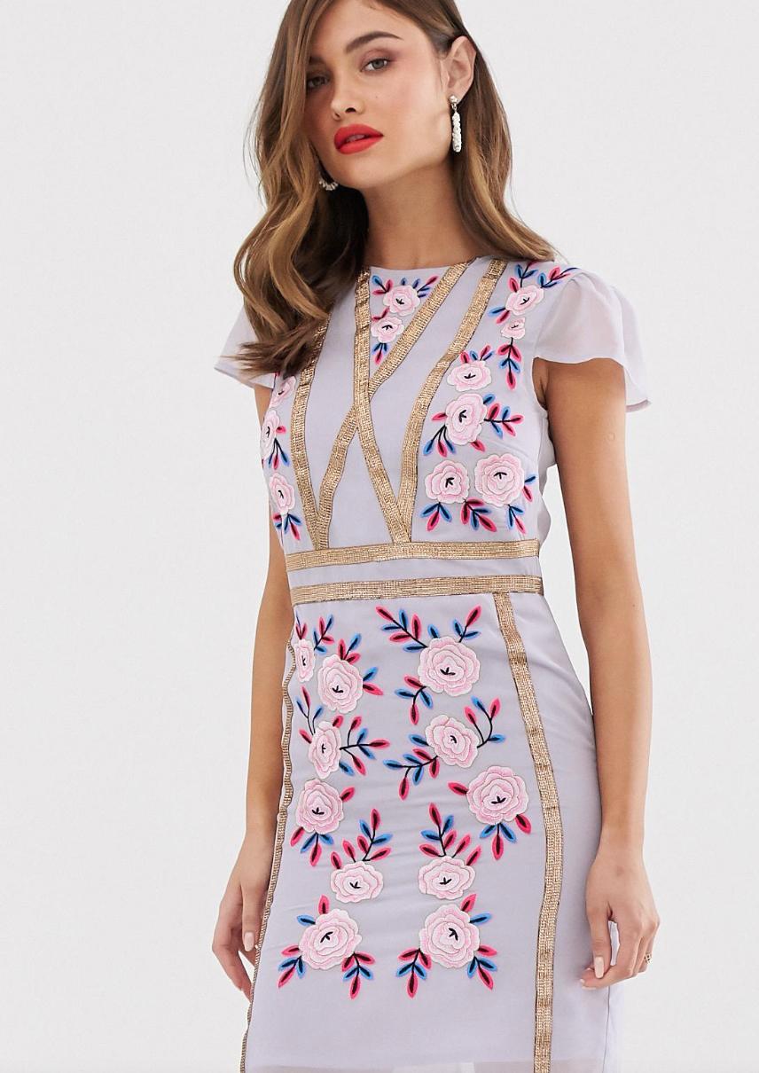 Vestido recto con detalle de bordado de Frock & Frill