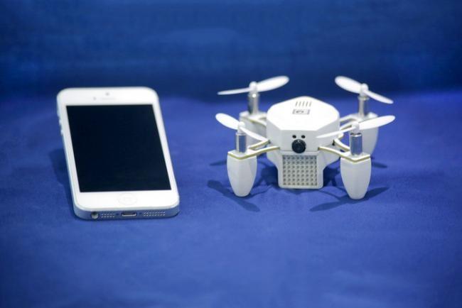Drone y cámara en la palma de tu mano: Zano