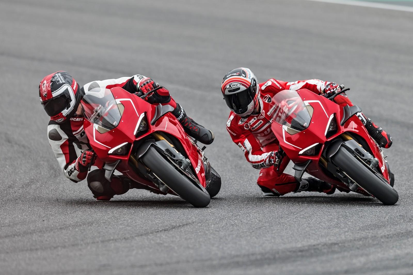 Foto de Ducati Panigale V4 R 2019 (16/87)