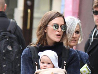 Keira Knightley una mamá muy casual por las calles de Nueva York