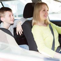 ¿Crees que tu hijo es tan mayor que ya no necesita un SRI?: los peligros de viajar solo con el cinturón de seguridad