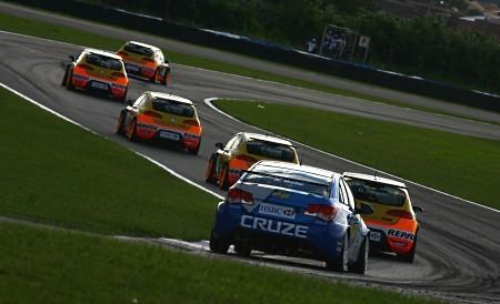 Seat arrasa en la clasificación de Curitiba