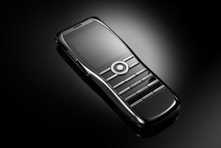 """El legado de Vertu llega a Xor, un móvil """"tonto"""" y retro de 3.350 euros que solo permite llamadas 2G/3G y mensajes SMS"""