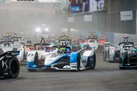 La Fórmula E se estrena en Arabia Saudi con nuevos coches, estrategias de ataque y mucho espectáculo