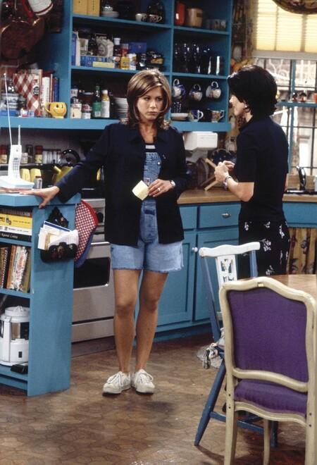 Rachel Green Outfits 242034 1586288592377 Main 700x0cRepasamos los looks más míticos de Friends y los adaptamos a las tendencias actuales con prendas de esta temporada