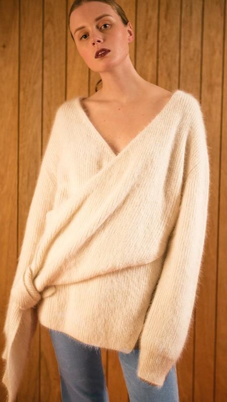 Amuza Sweater Ivory 2 Copia