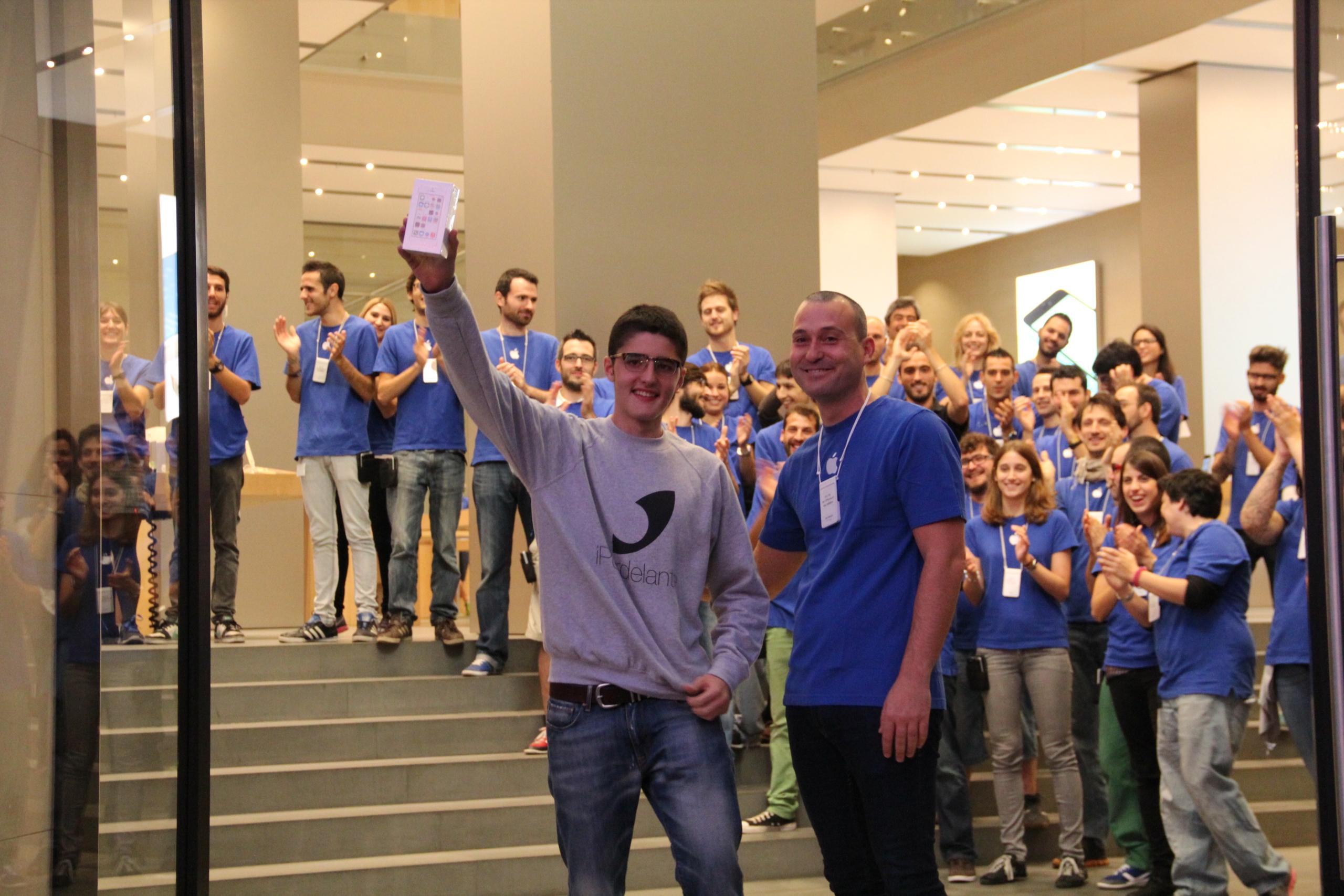 Foto de Lanzamiento de los iPhone 5s y 5c en Barcelona (7/17)